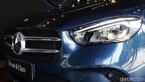 Melihat Lebih Dekat Mercedes-Benz B200 yang Makin Canggih