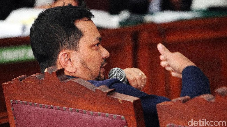Kesaksian Dokter Tompi Membedah Kebohongan Ratna