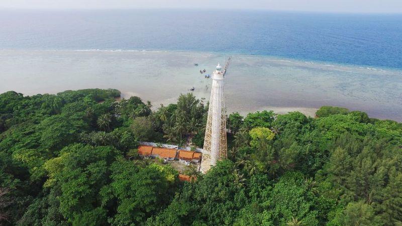Pulau Biawak terletak di Indramayu, Jawa Barat, memiliki keindahan alam laut yang rupawan (dok Disparbud Jabar)