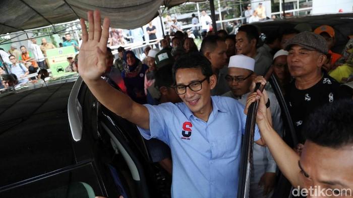 Sandiaga memakai kemeja biru saat kampanye (Foto: Pradita Utama)