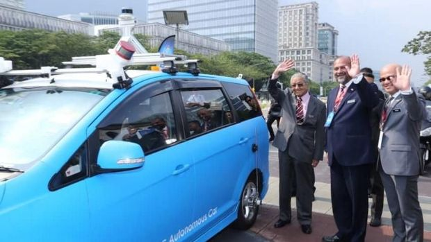 Mobil otonom Malaysia
