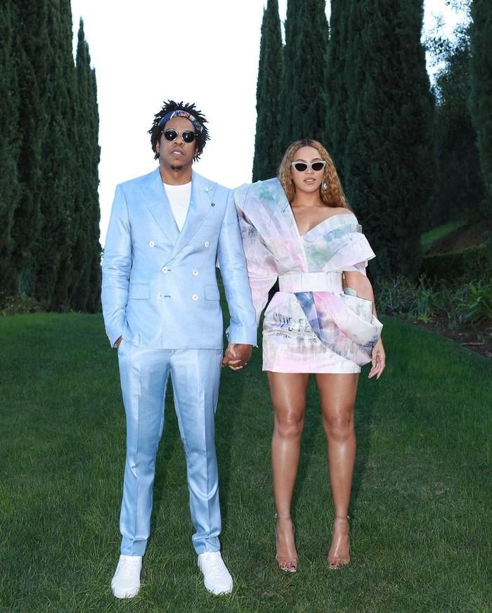 Beyonce baru saja menjadi pusat perhatian setelah rilis film dokumenter terbaru di Netflix. Istri dari Jay Z ini disebut-sebut mendapat bayaran Rp 842 M oleh Netflix untuk tiga karya. Foto: Instagram@beyonce