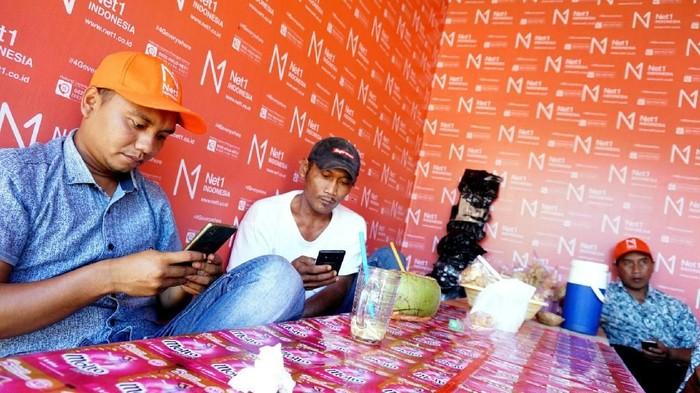 Operator Net1 Indonesia berupaya menyediakan jaringan internet hingga pedesaan. Saat ini jumlah penduduk yang sudah terlayani Net1 Indonesia mencapai 126.299.415 jiwa.