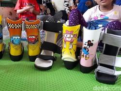 Sepatu Warna-warni untuk Bocah-bocah Pengidap Cerebral Palsy
