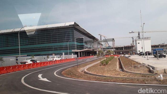 Bandara Internasional Yogyakarta di Kulon Progo rencananya akan beroperasi minggu depan. Yuk, lihat penampakan bandara baru tersebut.
