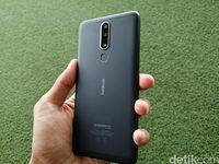 Tampak belakang Nokia 3.1 Plus.