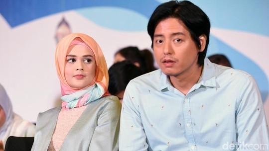 Ramadan Nanti, Roger Danuarta dan Cut Meyriska Jadi Suami-Istri