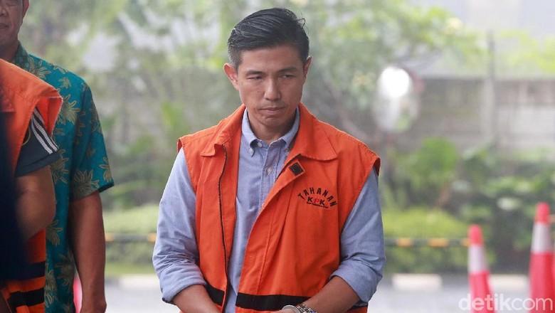 Gaya Para Tersangka Suap Krakatau Steel Saat Diperiksa KPK