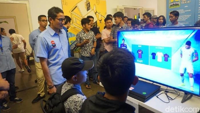 Foto: Sandiaga Uno di Rumah Siap Kerja di kawasan Jakarta Selatan (Ibnu Hariyanto/detikcom)
