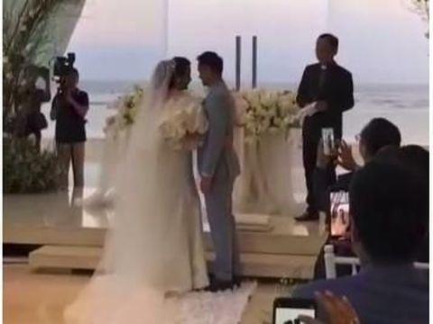 Usai Menikah Secara Hindu, Ajun Perwira-Jennifer Lakukan Pemberkatan