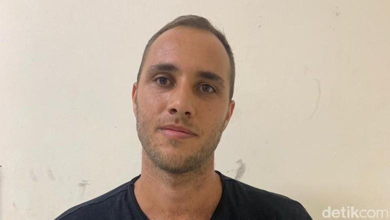 Buron Polisi Ceko Ditangkap di Batam