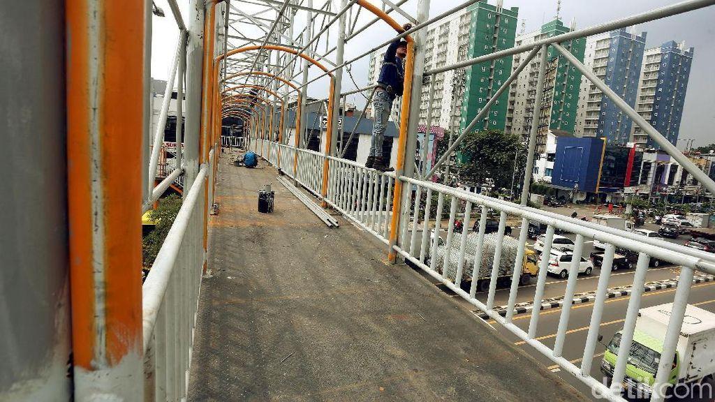 Geliat Pembangunan JPO di Jalan Ahmad Yani Bekasi