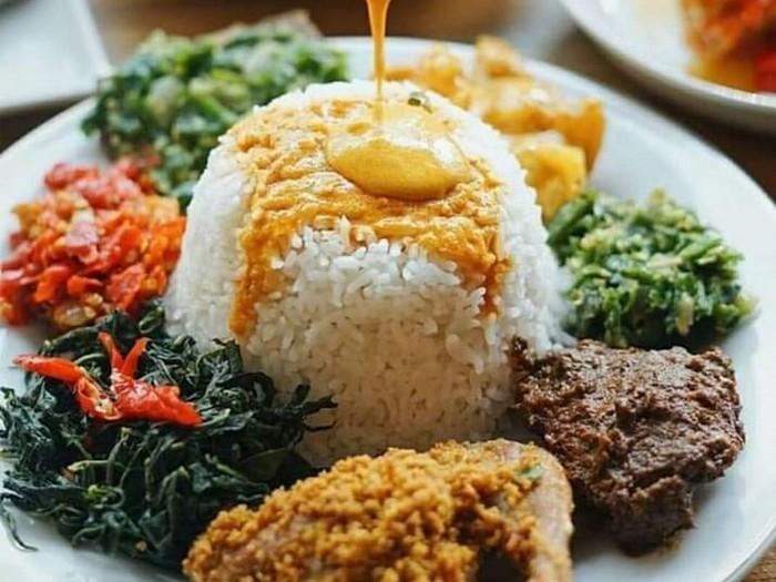 10 Lauk Nasi Padang Enak Yang Mana Favoritmu