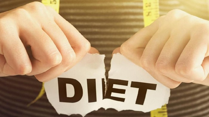 Young woman ends her diet. Has she succeeded or failed?