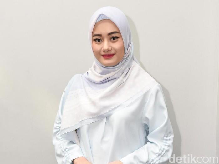 Dinda Hauw  saat ditemui di kawasan Senayan.