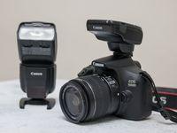 Canon 1500D, trigger ST-E3 dan flash 430EX III-RT yang terhubung secara wireless.