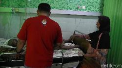 Kelelahan, 11 Petugas Penyelenggara Pemilu di Lumajang Jatuh Sakit
