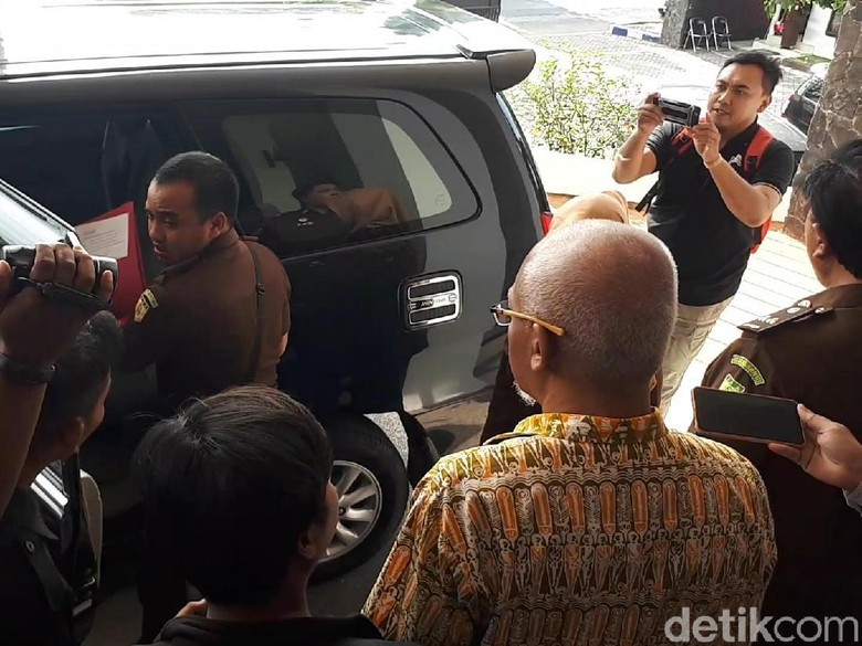 Diduga Korupsi Rp 1,7 Miliar, Kepala Inspektorat Bojonegoro Ditahan