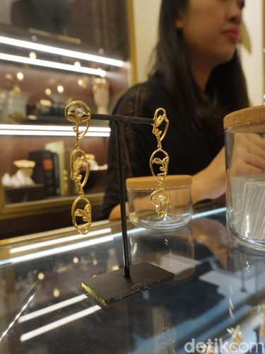 Koleksi perhiasan Tulola yang kini hadir di Plaza Senayan.