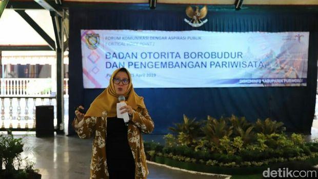 Dirut BOB, Indah Juanita beri paparan materi kepada peserta CVP (Rinto Heksantoro/detikcom)