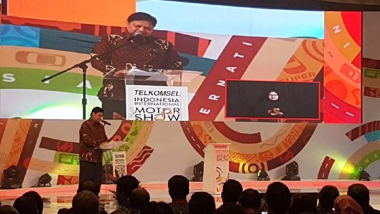 Menteri Perindustrian Airlangga Hartarto membuka IIMS 2019 Foto: Rangga Rahadiansyah