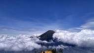 5 Tips Mencegah Hipotermia Saat Naik Gunung