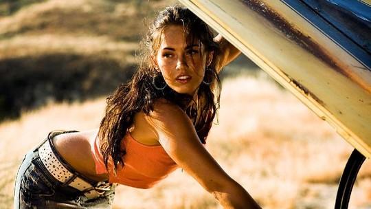 Megan Fox Bagikan Foto 13 Tahun Lalu, Netizen Salfok