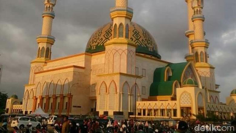 Masjid Hubbul Wathan Mataram