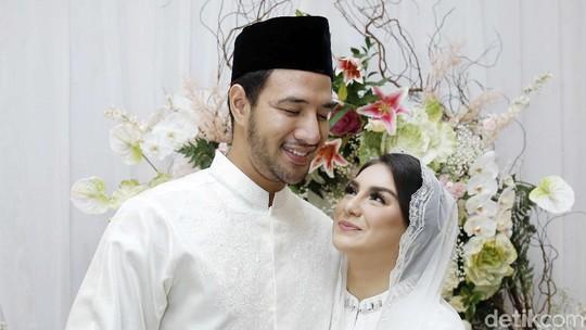 OTW Nikah! Senyum Bahagia Ammar Zoni dan Irish Bella