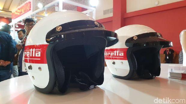 Helm Lambretta