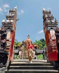 Baru-baru ini dia liburan ke Bali. (lizasoberano/Instagram)