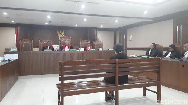 Hakim Pengadilan Negeri (PN) Medan Merry Purba dituntut 9 tahun penjara, denda Rp 350 juta subsider 3 bulan kurungan.