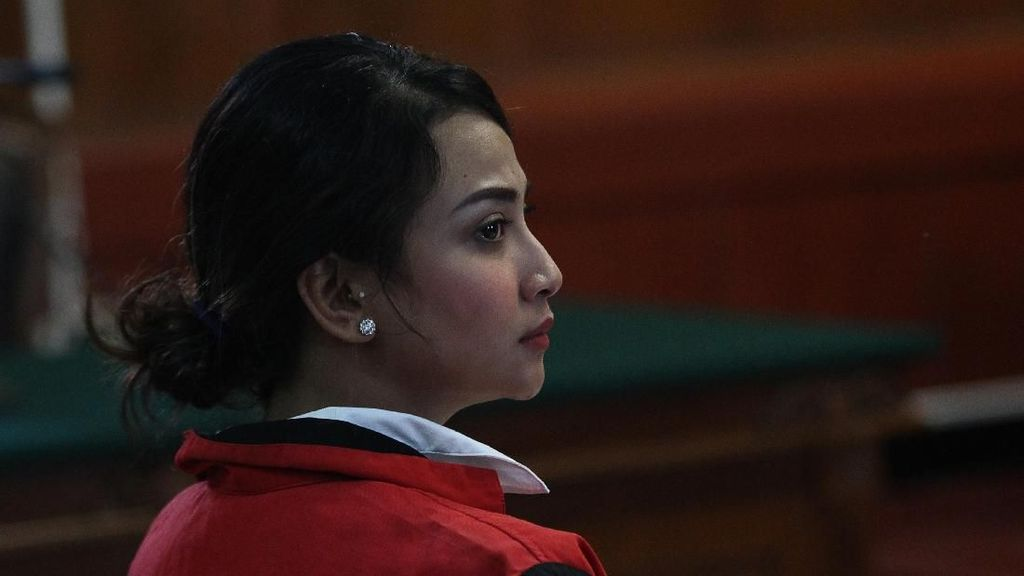 Vanessa Angel Didakwa Sebar Konten Asusila, Dwi Andhika Tetap Support