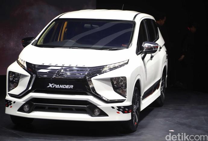 Mitsubishi Xpander edisi khusus berhasil menyabet gelar sebagai Low MPV terlaris di ajang IIMS 2019. Foto: Pradita Utama