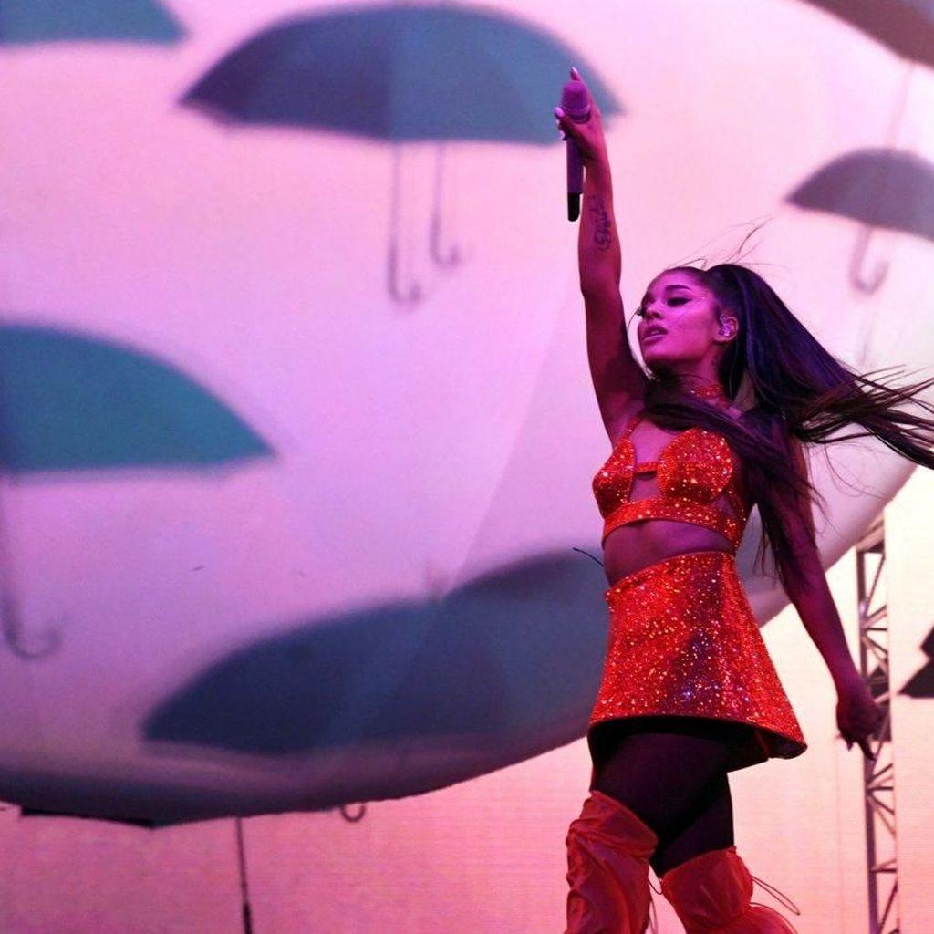 Ariana Grande Minta Fans Berdonasi untuk Korban Ledakan di Lebanon