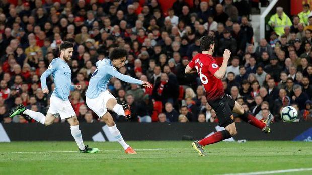 Kalahkan Man United, Guardiola Mau Skuat Man City Tidur Lelap