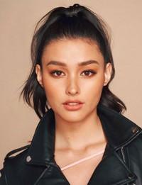 Starmometer melakukan poling terhadap wanita tercantik di dunia dikalangan artis. Peringkat pertama diraih oleh Liza Soberano, model asal Filipina. (lizasoberano/Instagram)