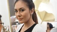 Foto: Cantiknya Wulan Guritno Saat Pilih Perhiasan Etnik Favorit