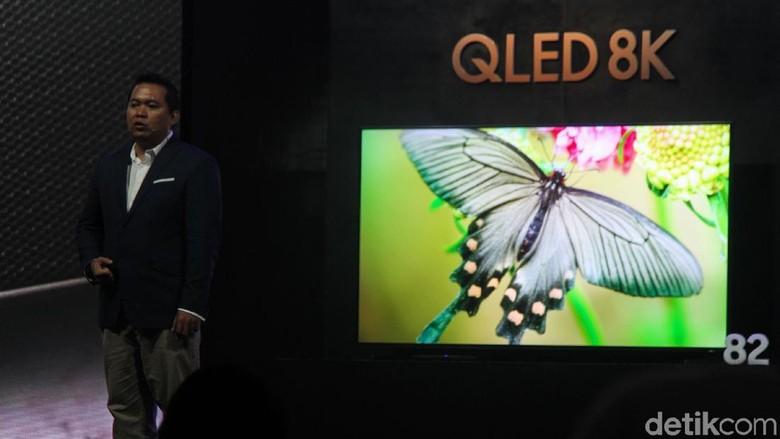 Samsung Q900R menjadi nama seri televisi QLED 8K yang dibawa Samsung. (Foto: Rifkianto Nugroho/detikINET)