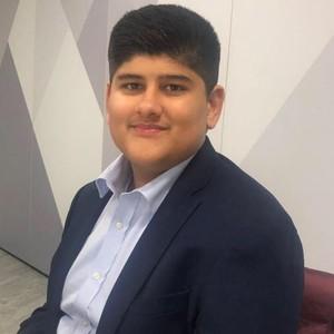 Kisah Inspiratif Remaja yang Jago Akuntansi di Usia 15, Jadi Akuntan Termuda