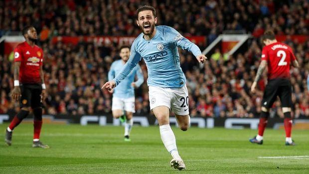 Man United kebobolan pada menit ke-54 melalui gol Bernardo Silva. (