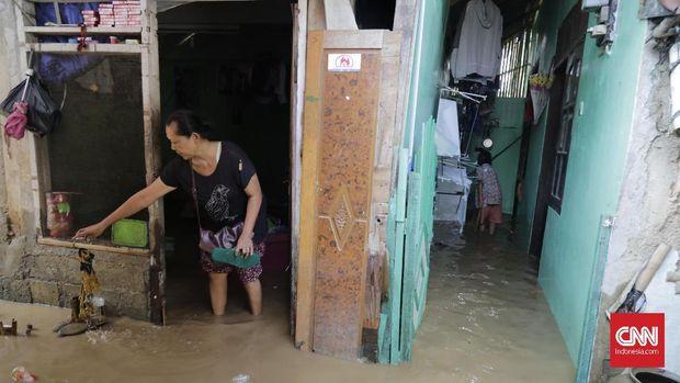 Anies Sebut Korban Tewas Banjir Karena Ingin Ambil Termos