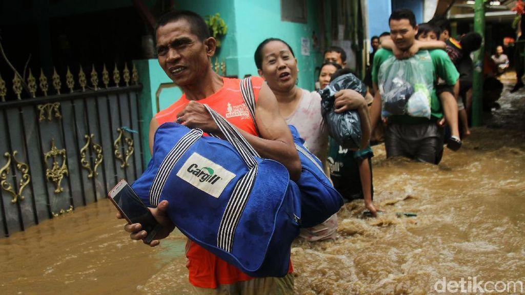 Jakarta Banjir, PDIP DKI: Bawahan Anies Bimbang Terjemahkan Naturalisasi