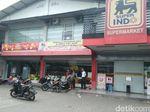 Atap Supermarket Superindo di Semarang Ambrol, 7 Karyawan Luka-luka