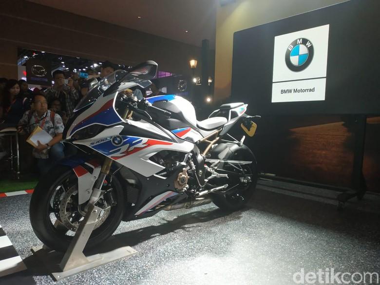 BMW S 1000 RR M Package. Foto: Ridwan Arifin