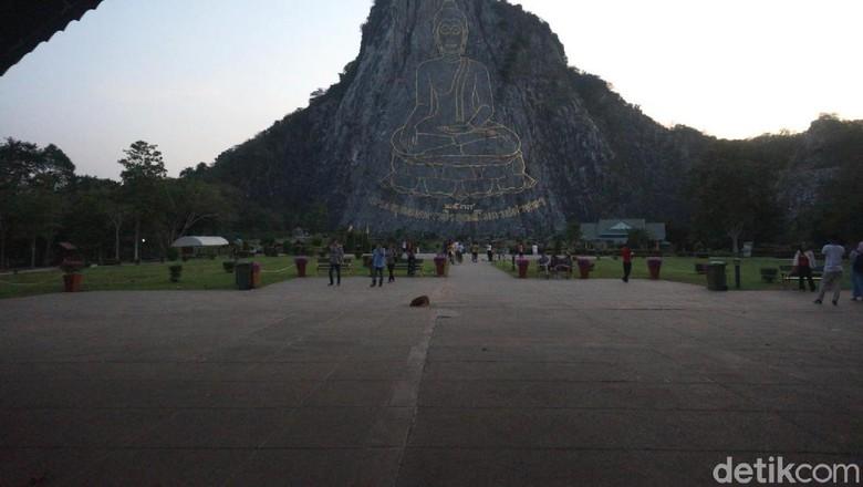 Tebing laser Buddha di Pattaya (Shinta/detikcom)