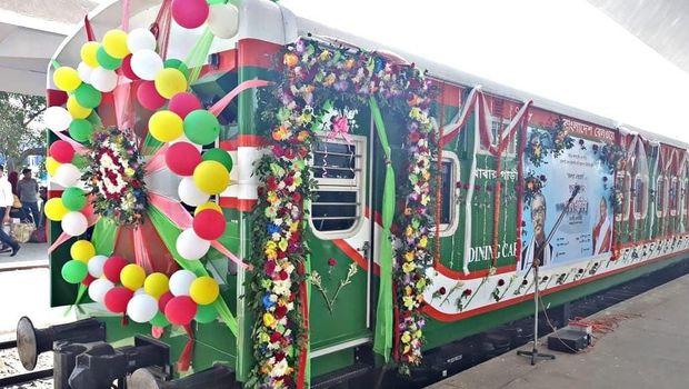 Tuut..Tuut... Kereta Api Made in RI Beroperasi di Bangladesh