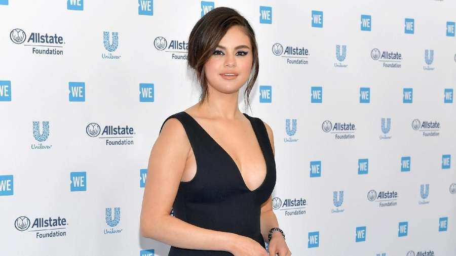 Jangan Panggil Selena Gomez Cantik!