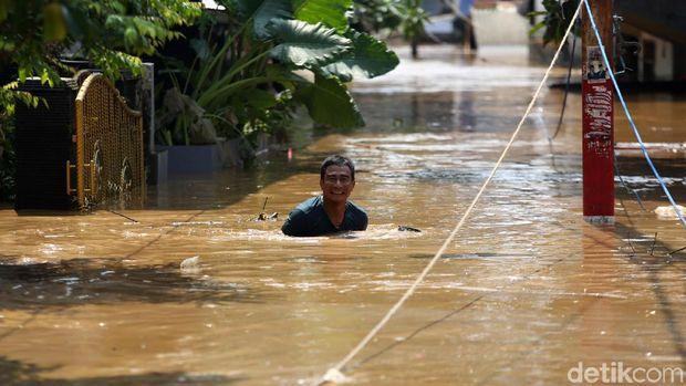 Banjir Jakarta di Mata Anies, Realita Beda dengan Dunia Maya