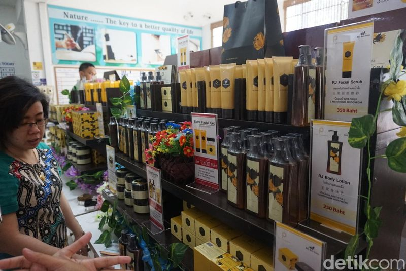 Inilah Big Bee Farm, tempat sekaligus peternakan yang menjual aneka olahan madu di Pattaya, Thailand (Shinta/detikcom)